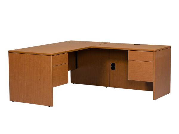 Halton Series Jr Executive RH L Desk 1
