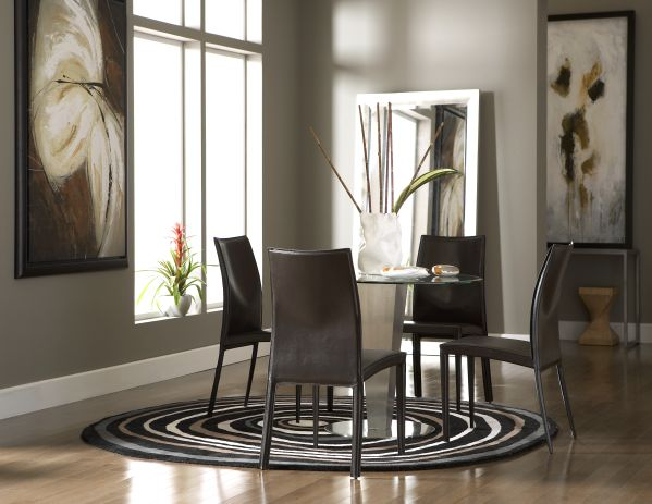 Julia Dining Room with 4 Glide Chairs
