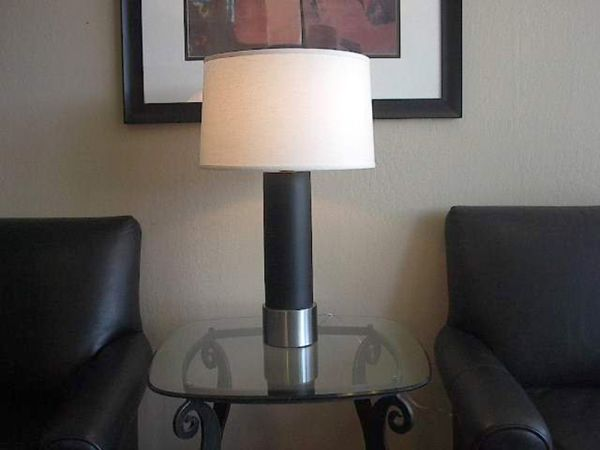 Black Steel Cylinder Table Lamp
