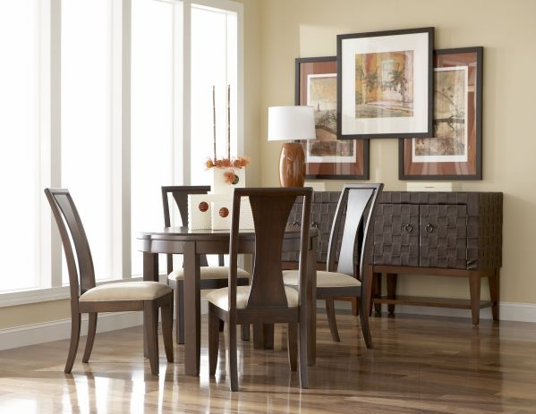 Madden Round Dining Room with 4 Chairs