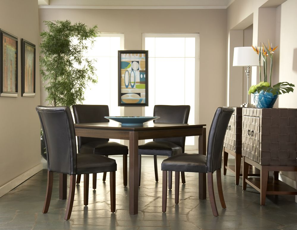 Clarence Square Dining Table And 4 Chairs